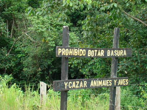 sign in Costa Rica